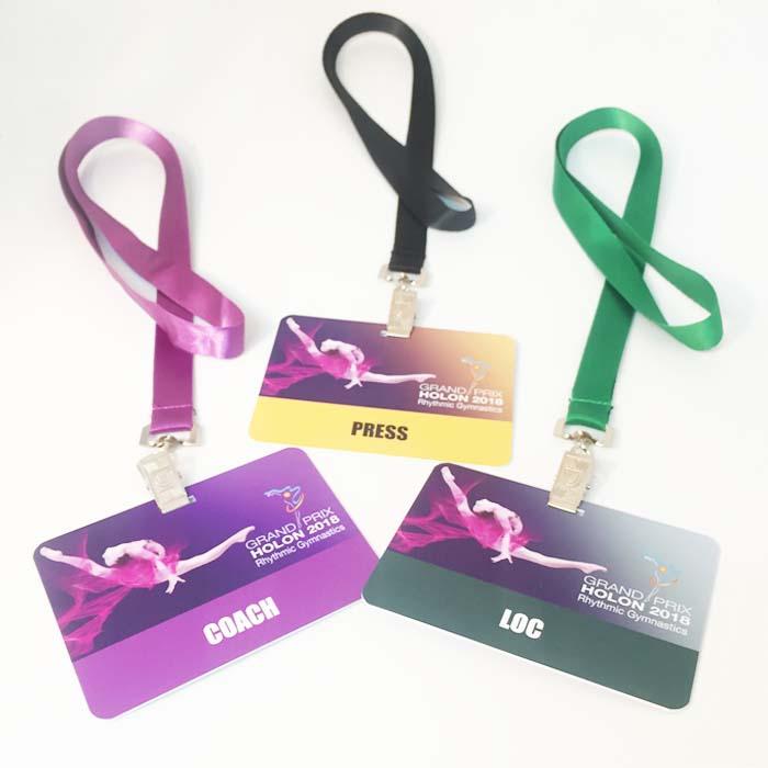 כרטיס פלסטיק 11X8 סמ עם שרוך 1.5 סמ
